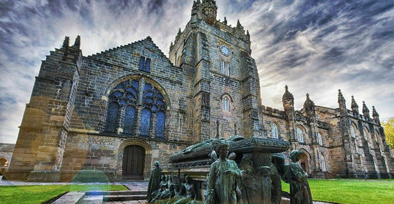 """Aberdeen - Dünyanın ən möhtəşəm universitetlərindən biri ...Açılışa kraliça gəlmişdi"""""""