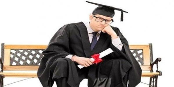 Universiteti bitirən hər 4 məzundan biri işsizdir