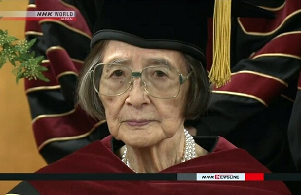 88 yaşında elmlər doktoru oldu