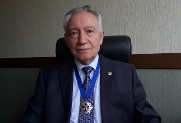 """Azərbaycan aliminə """"Elm və incəsənət cəngavəri"""" fəxri adı verilib"""