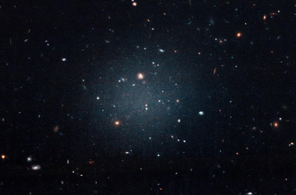 Alimlər kosmosda yeni qalaktika kəşf etdilər