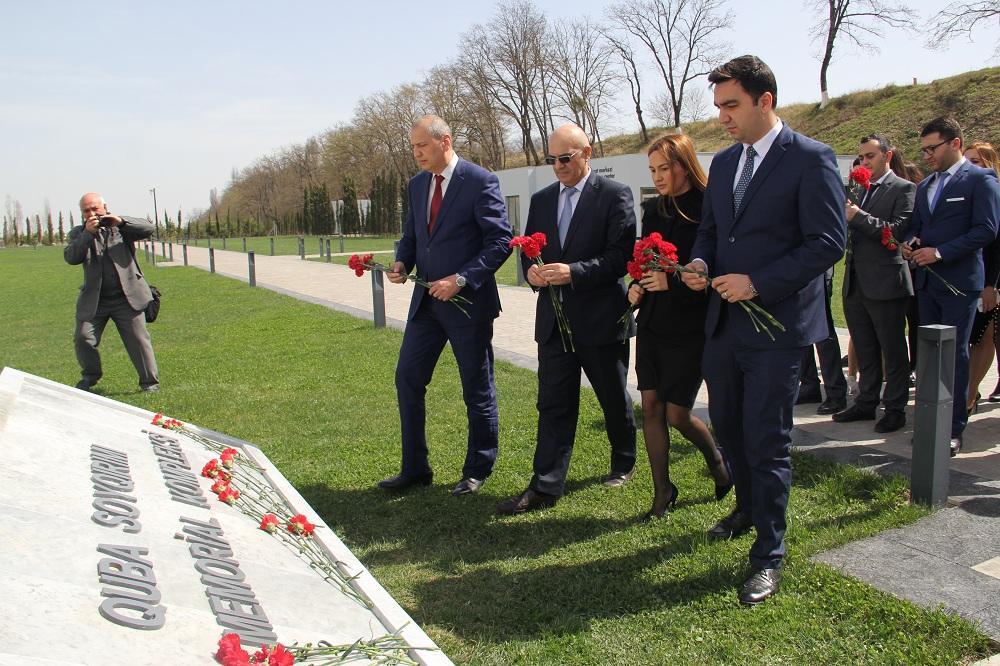 Bilik Fondu gəncləri Quba Soyqırımı Memorial Kompleksinə apardı