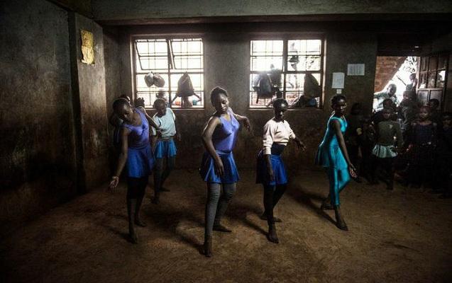 Gecəqondularda yaşayanlar üçün balet məktəbi - Qara günün ağ xəyalları - FOTOLAR