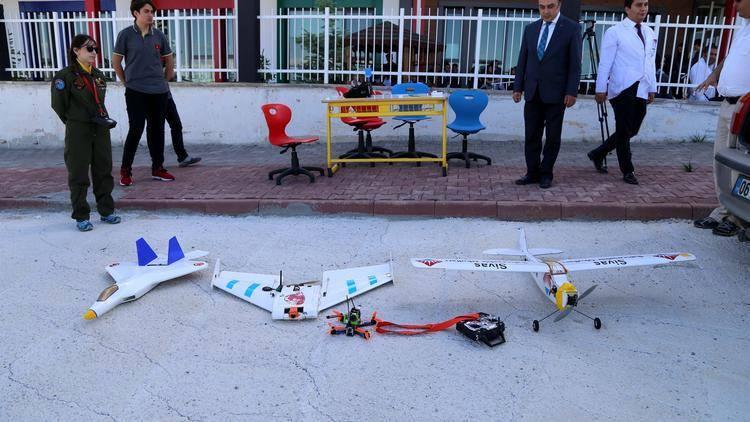 Məktəblilər pilotsuz uçuş aparatı hazırladılar