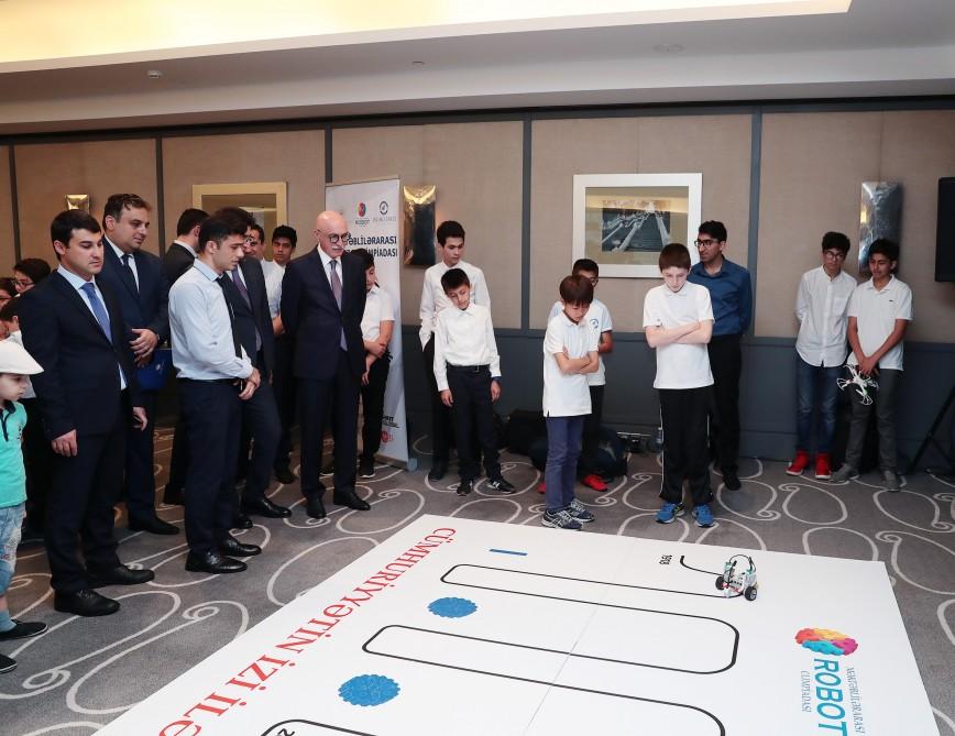 Məktəblilərarası ikinci robot olimpiadasının qalibləri mükafatlandırılıblar