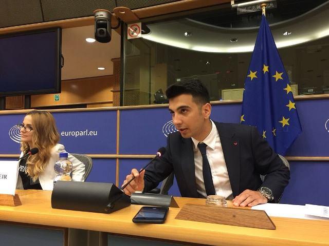 Rumıniyada təhsil Avropada təhsil almaq mənasını daşıyır - Prezidentin partiyasına üzv olan azərbaycanlı gənc