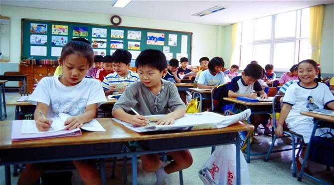 Cənubi Koreyanın qeyri-adi qaydaları – İntihara sürükləyən təhsil sistemi