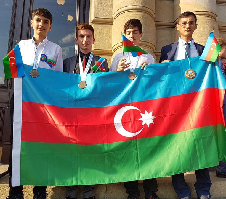 Şagirdlərimiz beynəlxalq olimpiadadan 3 medal qazanıblar
