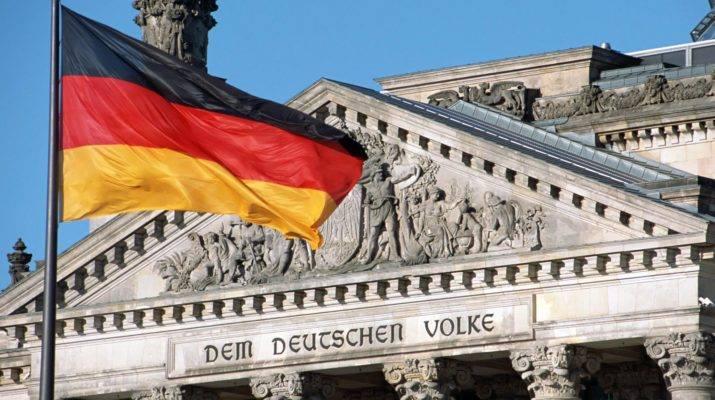 Almaniyada imtahansız təhsil almağın yolları – Ödənişsiz xidmətlər və pul qazanmaq şansları