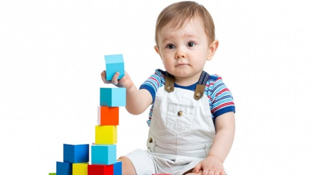 Autizmi uşaq oyunlarının köməyi ilə aşkar etmək mümkün olacaq