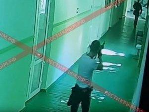 Krım kollecində baş verən atışmanın görüntüləri yayıldı