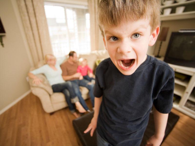 Uşaqlar niyə sinir krizi keçirir? - Günahı özünüzdə axtarın, valideynlər!