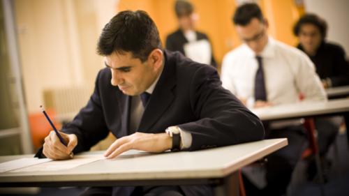 Dövlət quluğu üzrə test imtahanlarına qeydiyyat davam edir
