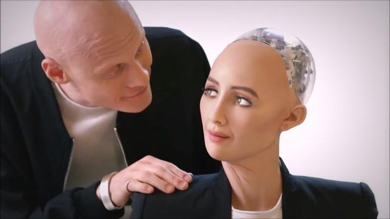 """Milli """"Sofiya"""" robotumuz olarsa, adı nə qoyulsun? – Jurnalistlərin """"Biləndər"""", """"Zəlimxan"""", """"Buta"""" cavabları"""