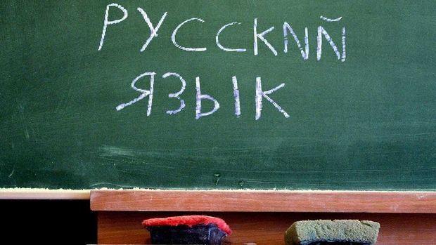 Rus dilinin aqibəti – fərqli ekspert rəyləri