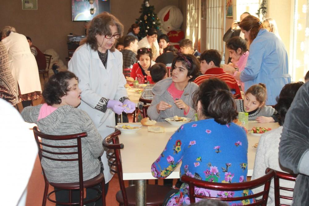 Komitənin əməkdaşları uşaq evində- FOTO