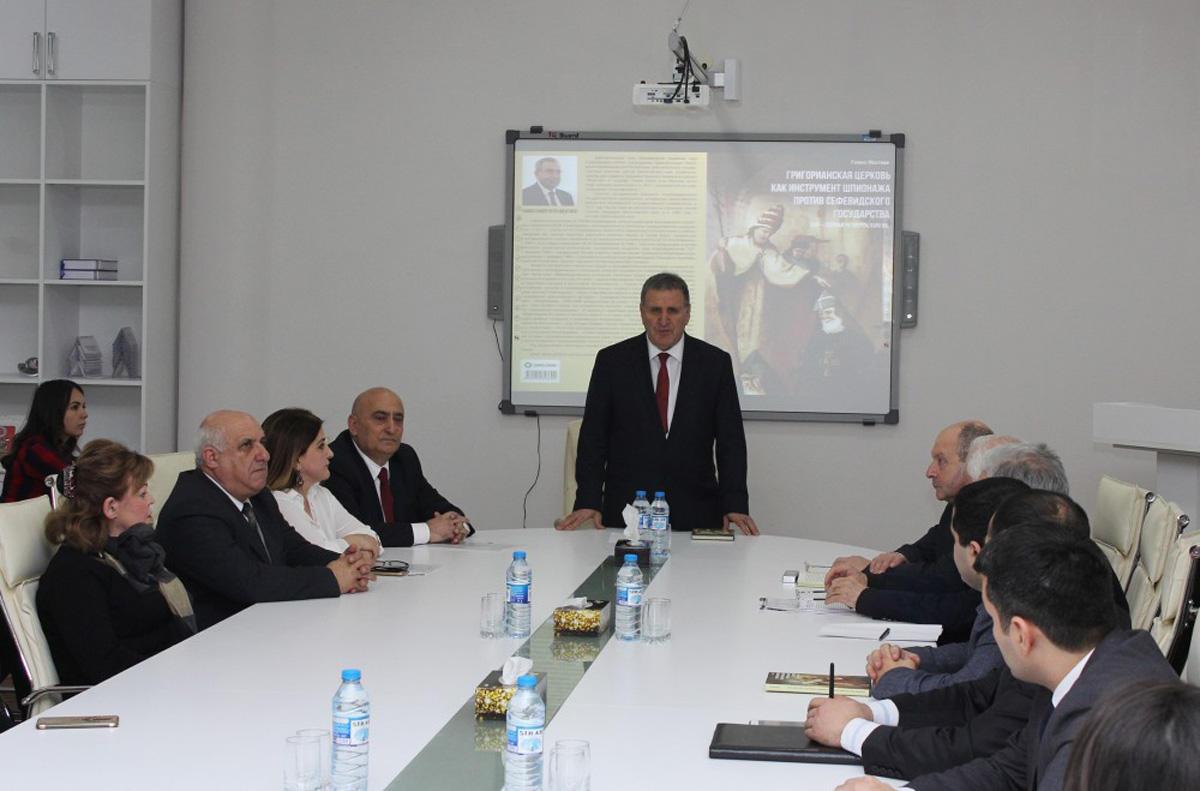 Ramiz Mehdiyevin Qriqorian kilsəsi haqda kitabına təqdimat keçirilib