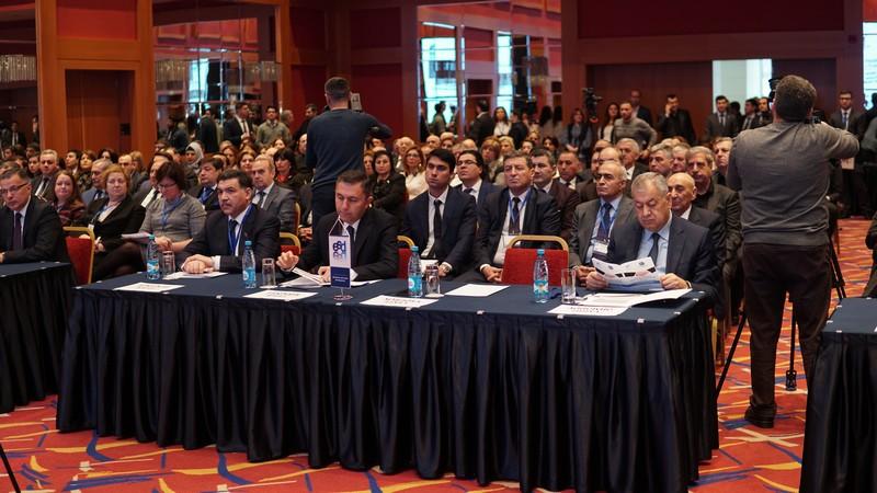 UNEC-in təşkilatçılığı ilə beynəlxalq elmi konfrans keçirilib - VİDEO
