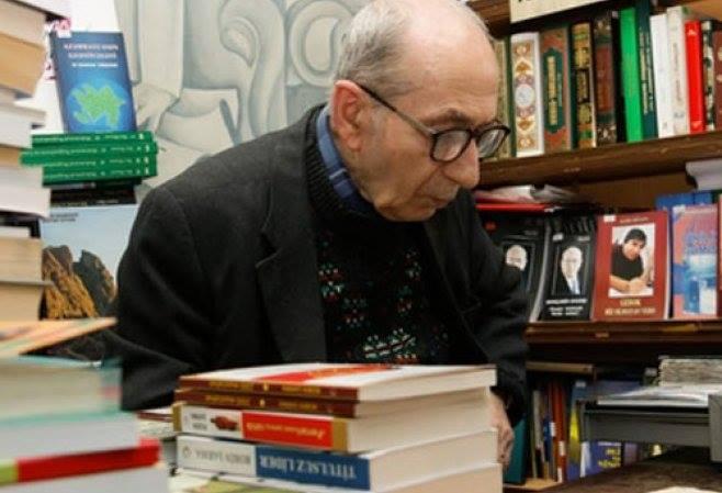 Bakının ən məşhur kitabçısı vəfat edib