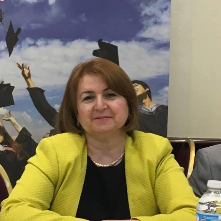 Kanadada yaşayan azərbaycanlı kollec müəllimi