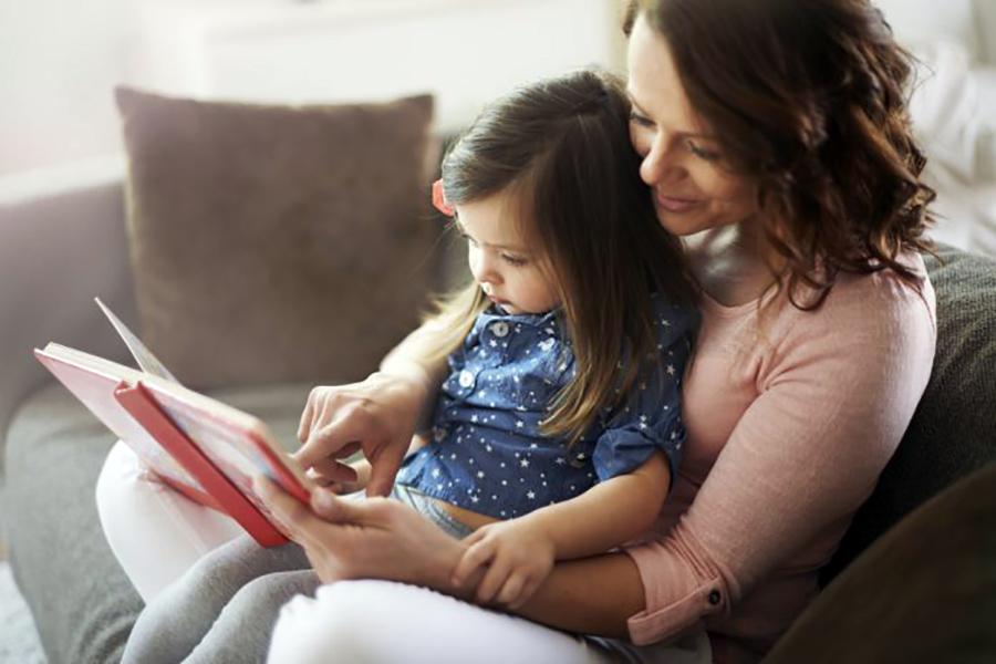 Məktəbəqədər yaşlı uşaqlara kitab oxumağın faydaları