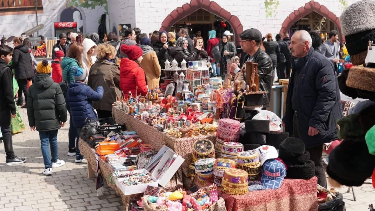 Məktəblilər Novruz bayramını bu cür