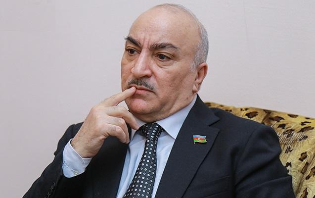 """""""Xarici ölkə universitetlərinə yalnız attestatla qəbul aradan qaldırılmalıdır"""" - Deputatdan təklif"""