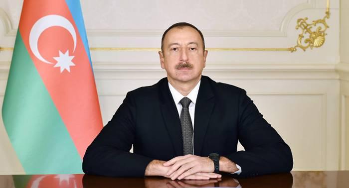 """Prezident rektora """"Xalq yazıçısı"""", Ramiz Rövşən və Musa Yaquba """"Xalq şairi"""" adı verdi-SİYAHI"""
