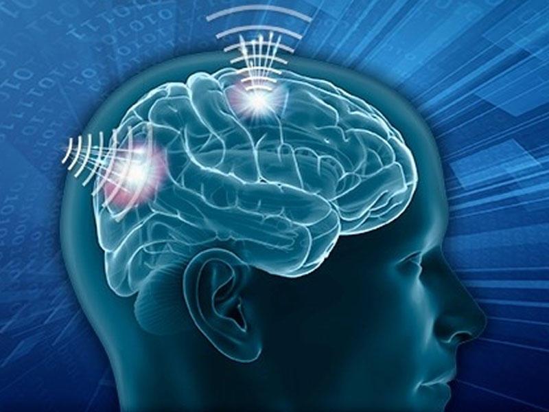 Dronları neyron aktivliklə idarə edən şlem yaradılır