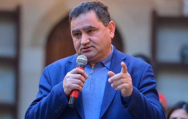 """Təhsil eksperti: """"1 sentyabra qayıtmalıyıq"""""""
