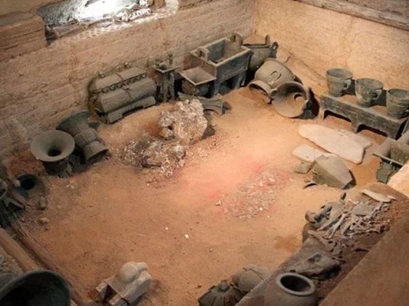 Çin kurqanının lənəti - Alimlərin sirli ölümü