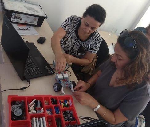 """Zirə məktəbliləri üçün """"Robototexnika"""" kursları təşkil olunur"""