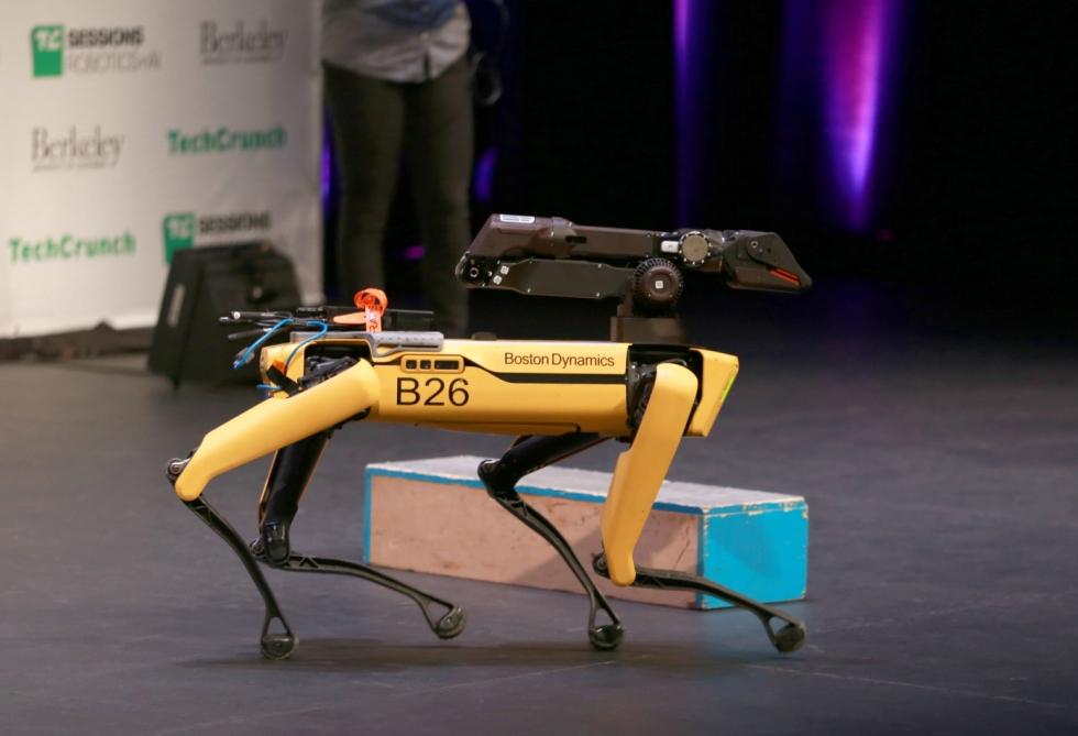 ABŞ-da unikal robot-itdən polis və orduda istifadə olunacaq