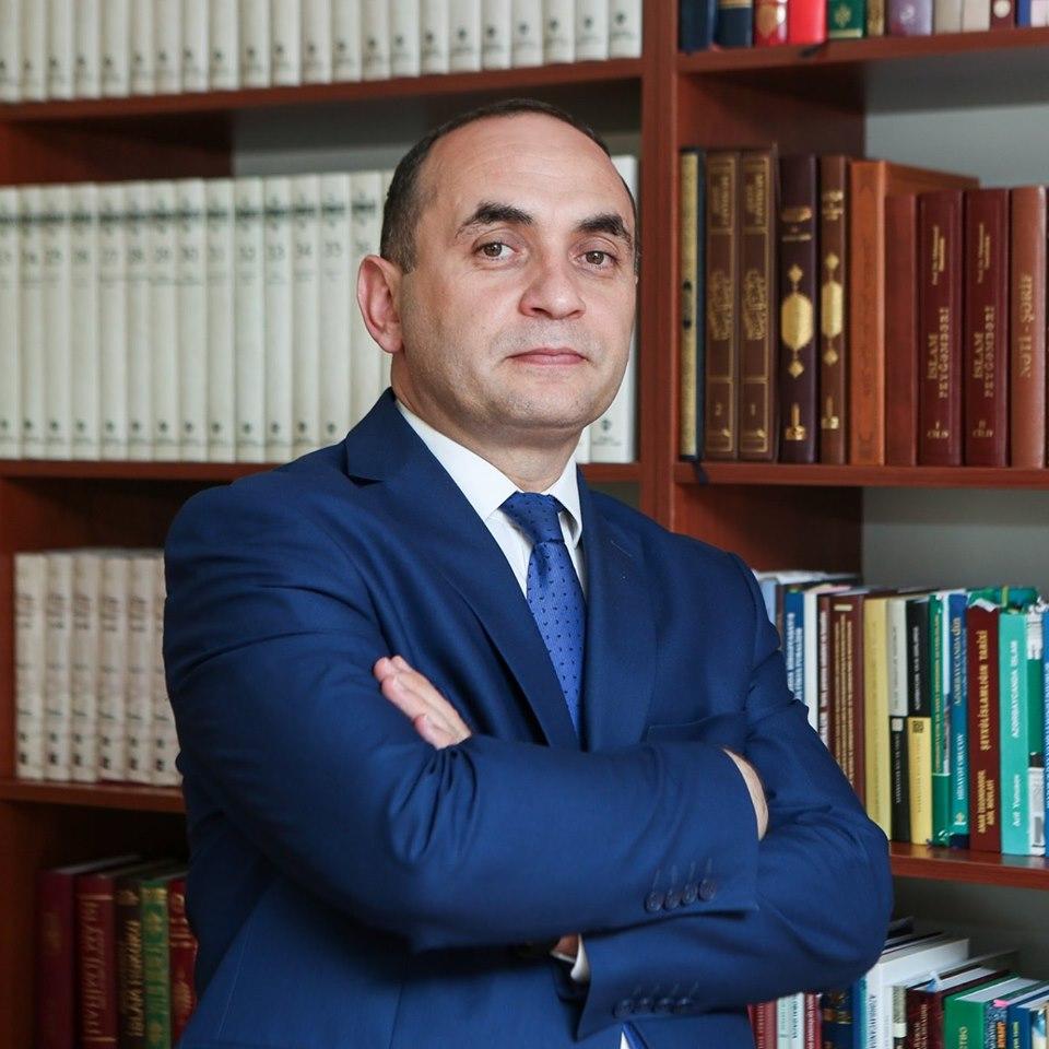 """Ceyhun Məmmədov: """"Ən böyük arzum müəllim olmaq idi"""" - AzEdu.az AZƏRBAYCAN  TƏHSİL PORTALI"""