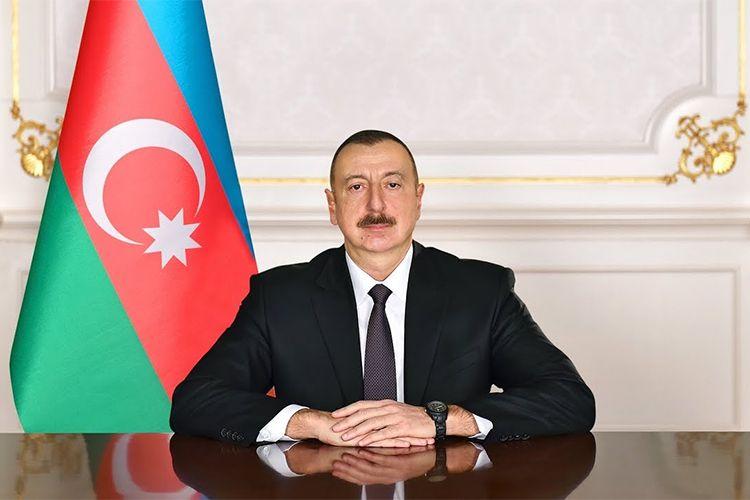 Prezident İlham Əliyev BDU-nun 100 illiyi münasibətilə keçirilən mərasimdə iştirak edir