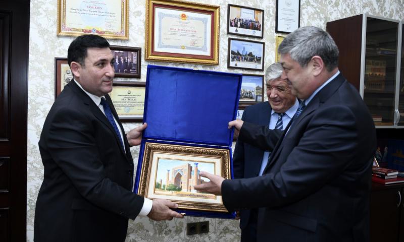 Özbəkistan ali məktəbləri ilə əməkdaşlıq