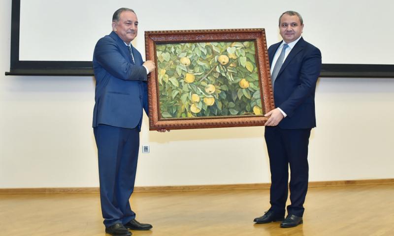 """""""Professor-müəllim heyətindən 163 nəfər BDU-nun məzunudur"""""""