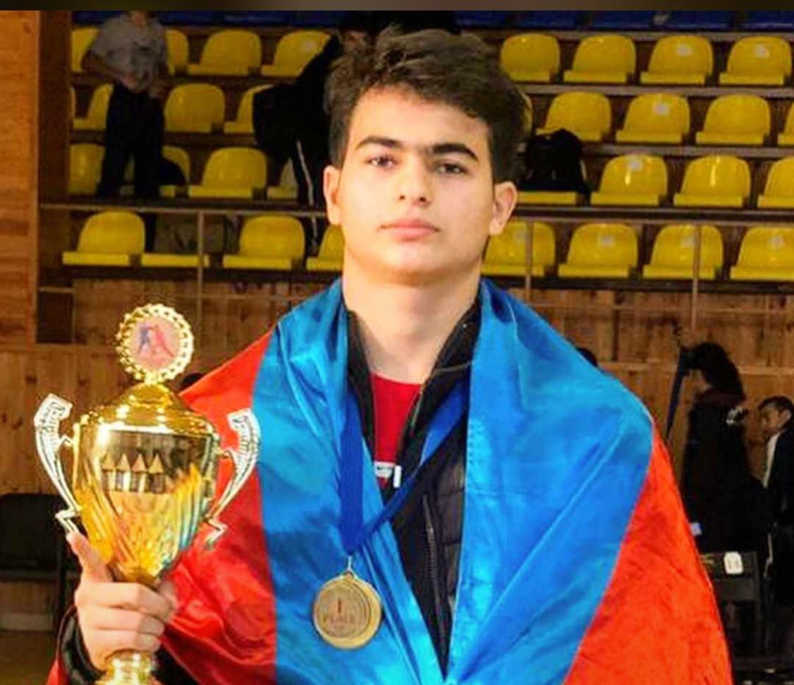 Azərbaycanlı məktəbli erməni idmançıya qalib gəldi -Qızıl medal qazandı