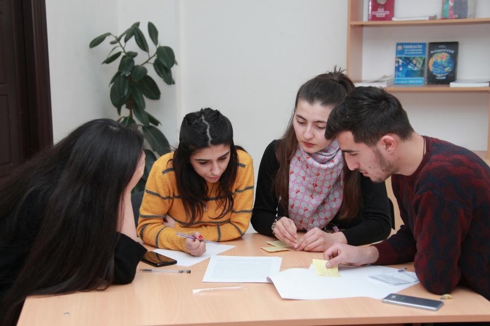Zaqatalada tələbələrə regionlarda sosial tədqiqat metodlarına dair təlim keçirilib