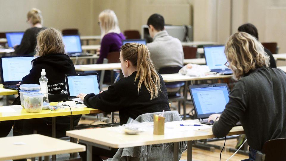 Finlandiyada universitetlərə qəbul QAYDALARI: ənənəvi və elektron imtahanlar