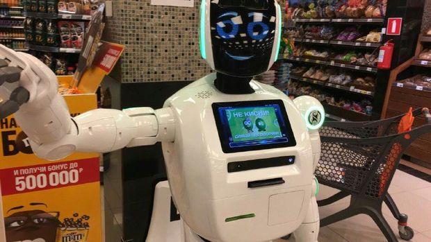 Yaponiyada robot ilk dəfə olaraq dükanda alış-verişə kömək edəcək