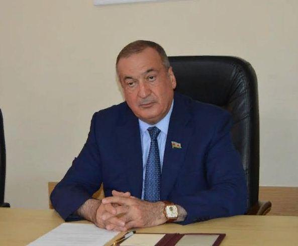 Rektor yenidən deputatlığa namizəd oldu