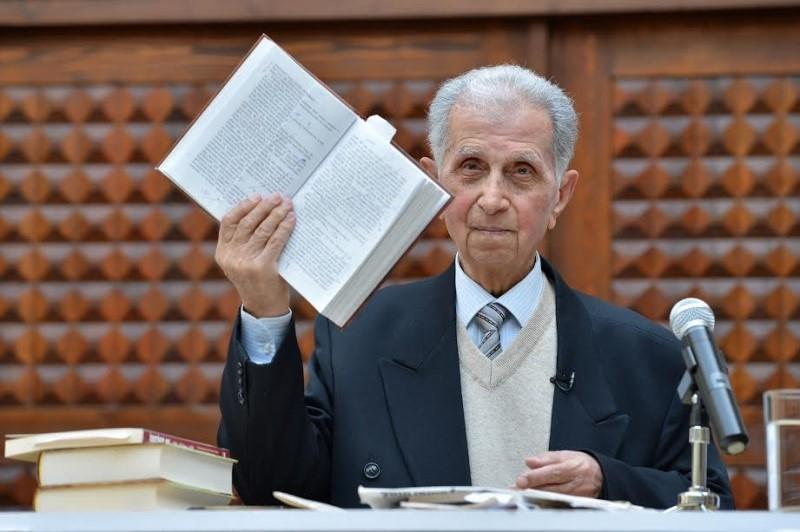 Şirməmməd Hüseynovun dahidaşıma fəaliyyəti – 95 yaşlı təkadamlıq xidmət bürosu - VİDEO