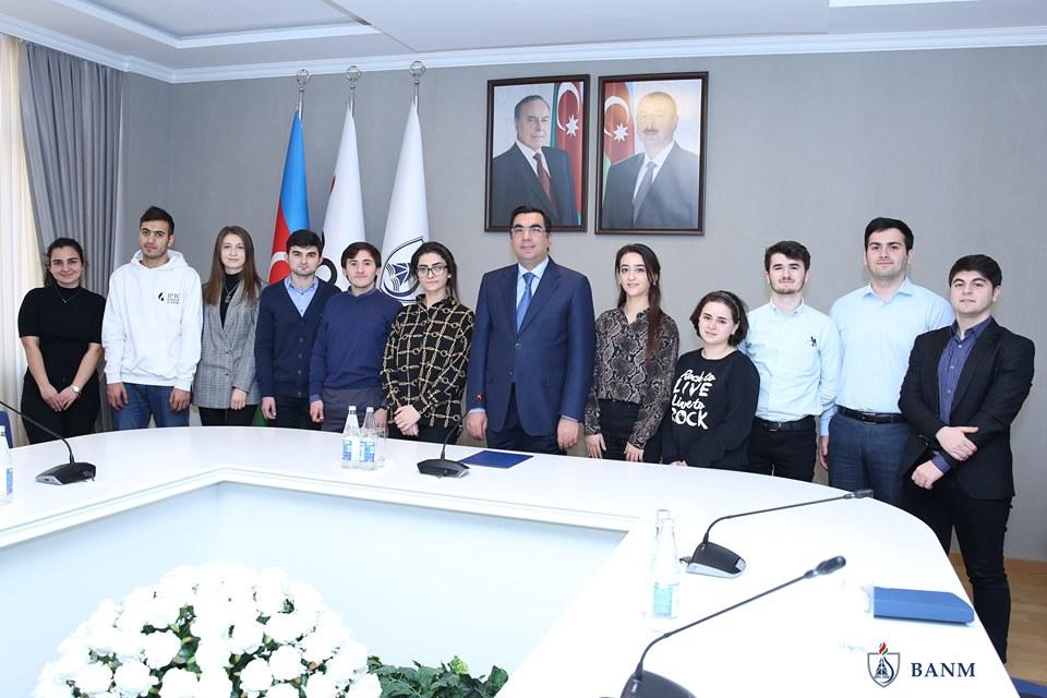 Bakı Ali Neft Məktəbinin 11 tələbəsi xaricdə ixtisasartırma kurslarında iştirak edəcək