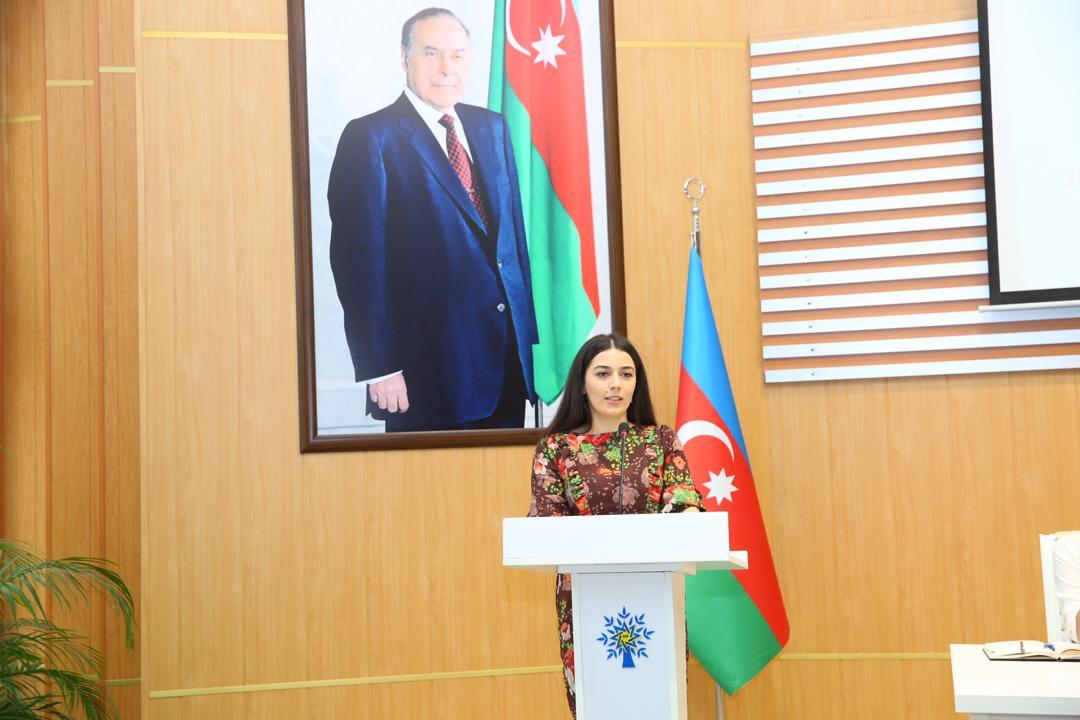 """Çindəki azərbaycanlı doktorant:""""Çıxış bağlanıb, övladımın virusa yoluxacağından çox qorxuram"""""""