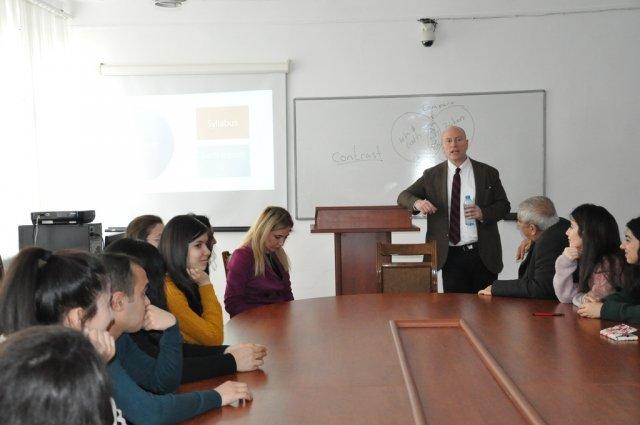 Amerikalı professor Mingəçevir Dövlət Universitetində təlim keçib