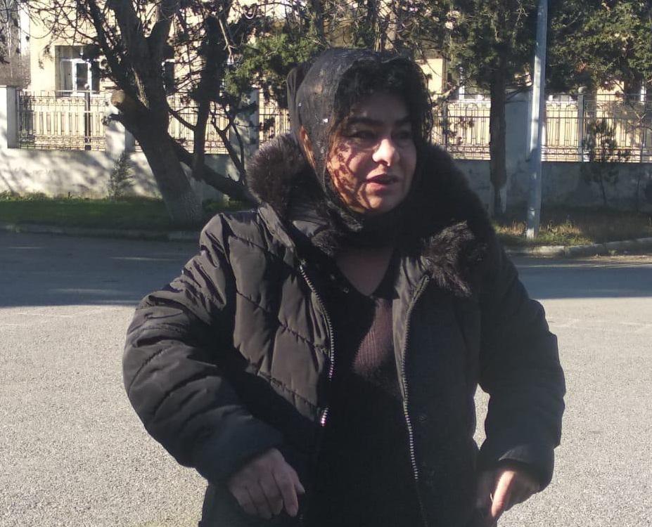 Polisməktəblərdə uşaq oğurlamaq istəyən qadınıAXTARIR - FOTO