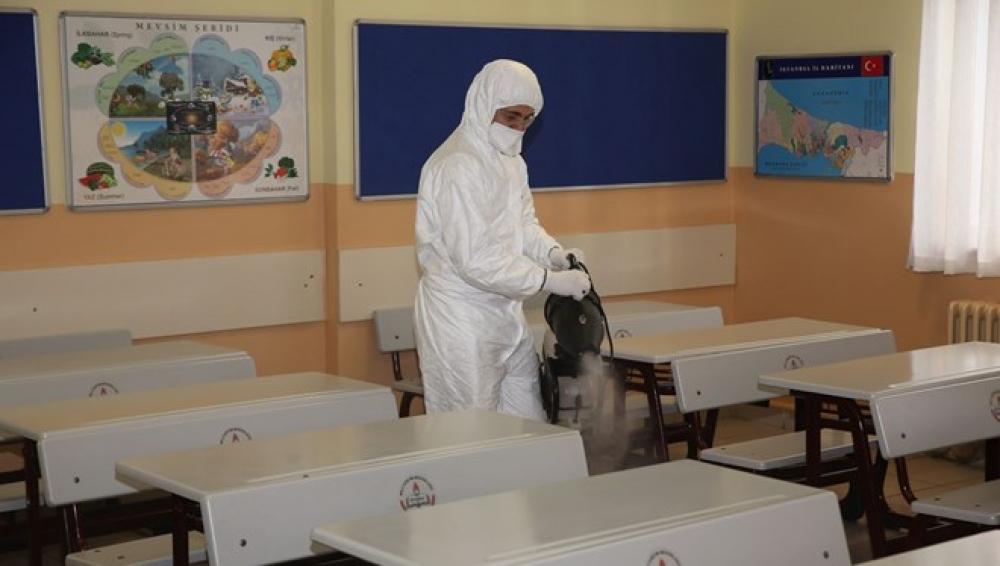 İstanbul məktəbləri koronavirusa qarşı dezinfeksiya edilib