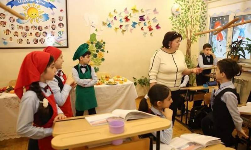 """Məktəblilər üçün """"Sağlam qidalanma, zərərli qadalar"""" seminarı"""