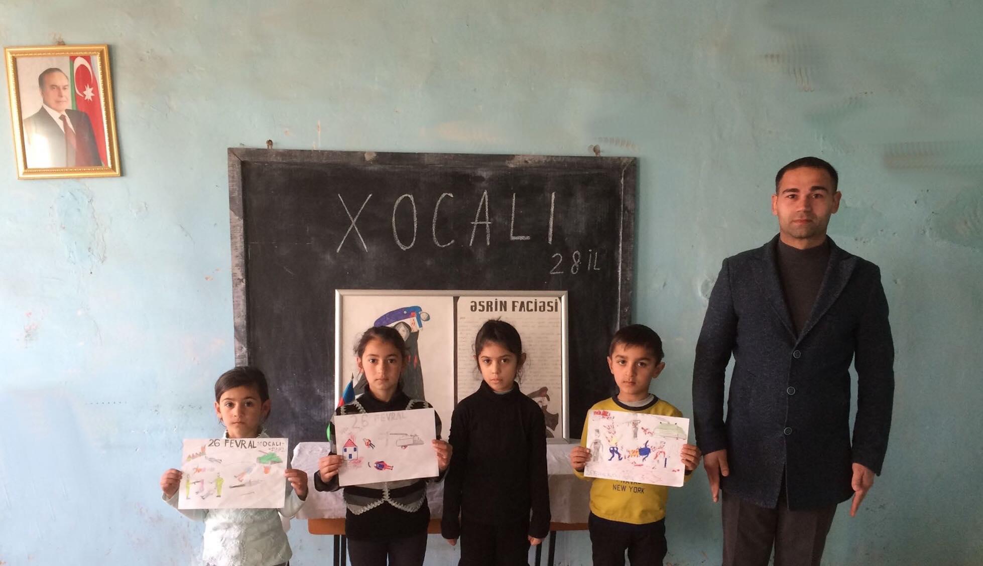 Məcburi köçkün məktəbində Xocalı harayı-FOTO